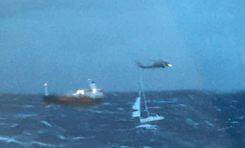 Ευρεία επιχείρηση διάσωσης επιβαινόντων σε Ι/Φ σκάφος στο Σαρωνικό | VIDEO