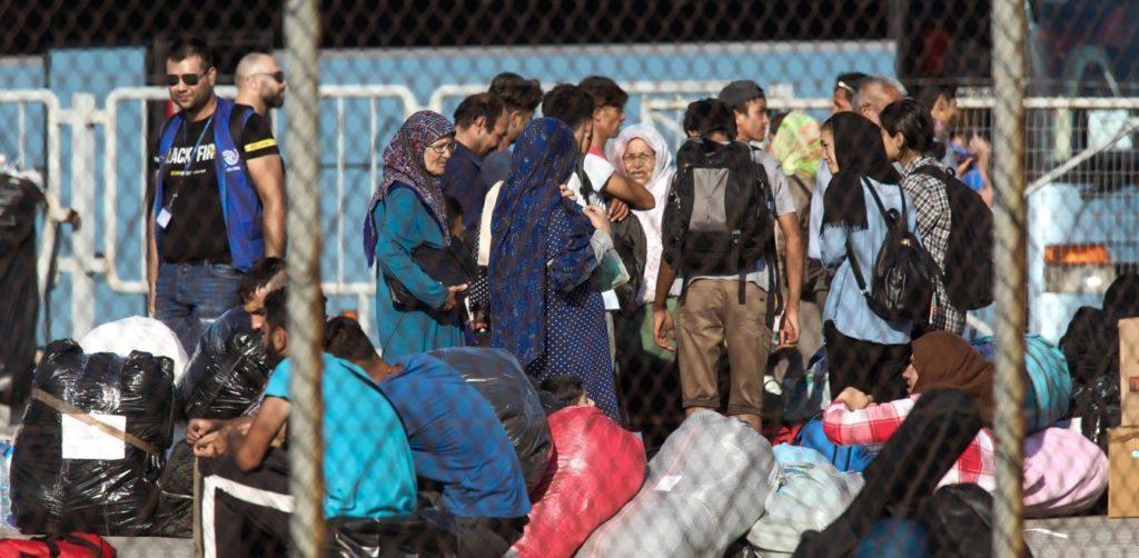 Κορονοϊός: Ντοκουμέντο με στοιβαγμένους μετανάστες στη Λέρο – Ο Γολγοθάς των Λιμενικών
